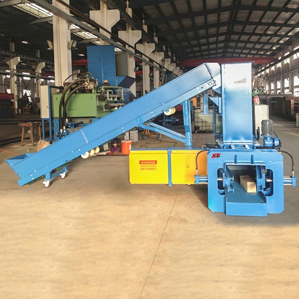 small-sized-full-automatic-balers-with-cyclone-for-packaging-plants-3.jpg