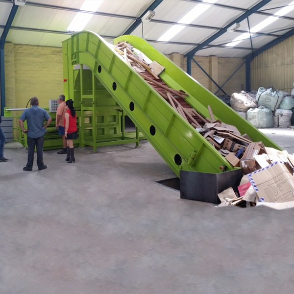 large-medium-and-small-sized-semi-automatic-baler-6.jpg