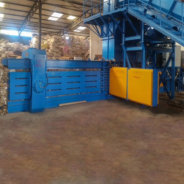 large-sized-full-automatic-balers-4.jpg