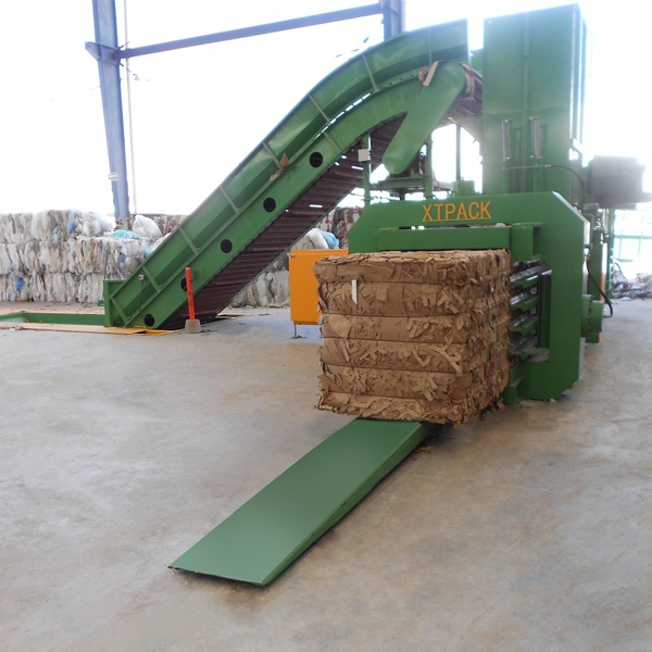 large-sized-full-automatic-balers-7.jpg