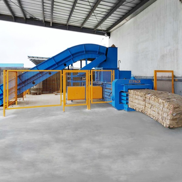 medium-sized-full-automatic-balers-5.jpg