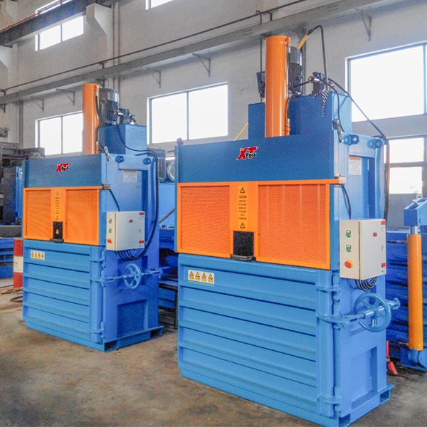 cans-pet-bottle-balers-6.jpg