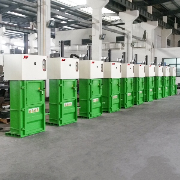 small-vertical-balers-4.jpg