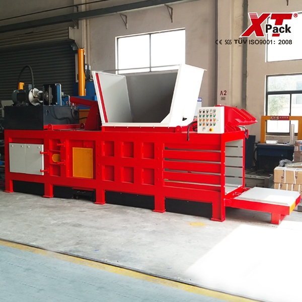 large-medium-and-small-sized-semi-automatic-baler.jpg