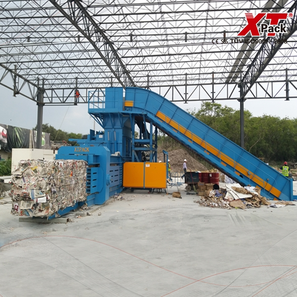 large-sized-full-automatic-balers-2.jpg